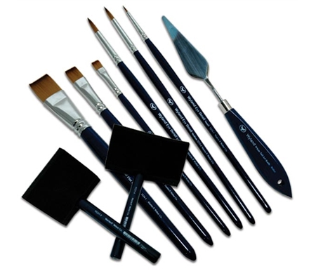 Wyland offers a wide range of brushes to suit all of your acrylic painting needs!