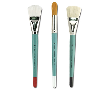These seriously large brushes were designed by Michi Toscano for achieving a wide range of techniques.