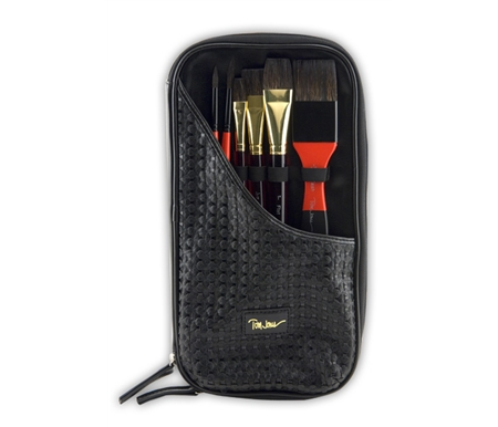 This set features a wonderful travel case that is made of fine leatherette material in a timeless pattern.