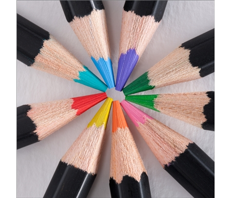 Using highly pigmented, vibrant colors, every shade has superior light resistance for lasting works of art.