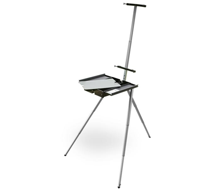 An impressive easel made of space-age aluminum alloy and polymers, it is not only lightweight and durable, but easy to clean!