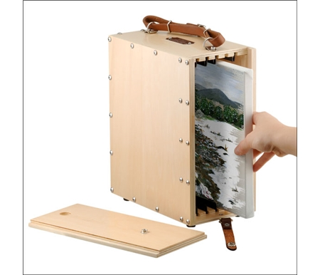Adjustable dividers allow you to carry up to 12 wet panels or 4 wet stretched canvases.