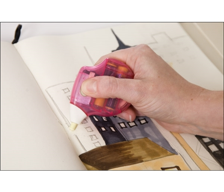 This accurate eraser allows you to easily erase small, tight areas.
