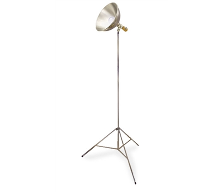 Sturdy tripod stand with aluminum reflector shade.
