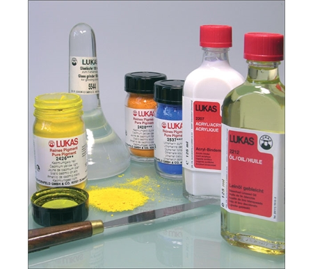 These are the same pigments used in LUKAS 1862 Oils!