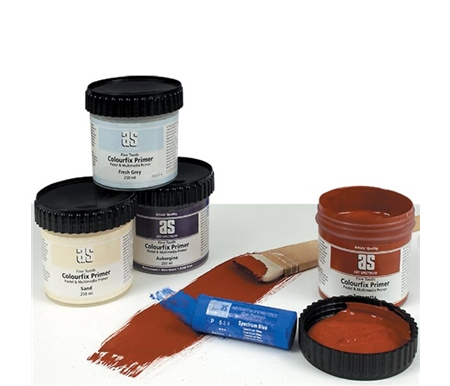 This primer allows the use of wet media such as oils, watercolors and acrylic colors for mixed media works.